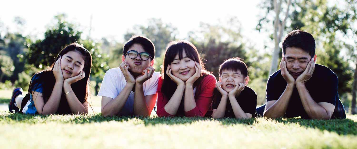 Happy-Family-at-Park-SAN RAMON VALLEY FAMILY MEDICINE